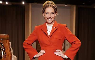Катя Осадчая покорила элегантностью в роскошном пальто: фото