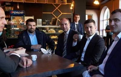 Чаепитие в Хмельницком: КСУ рассмотрит нарушение карантина Зеленским