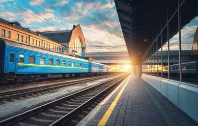 Укрзализныця временно останавливает движение поездов в 4 области: перечень отмененных маршрутов