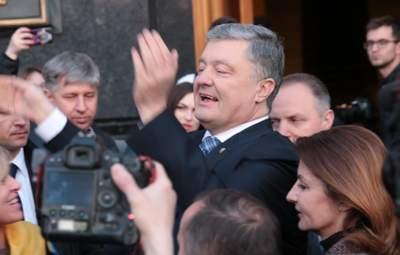 """У """"Слузі народу"""" заявили, що Порошенка чекає кримінальна справа, – ЗМІ"""