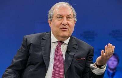 Хворого на COVID-19 президента Вірменії госпіталізували з проблемами серця, – ЗМІ