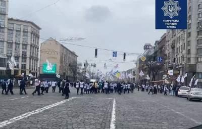 Требуют жизнь без карантина: ФЛП перекрыли центр Киева и спровоцировали ужасные пробки