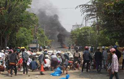 Поки співали прощальну пісню: силовики у М'янмі обстріляли жалобну церемонію