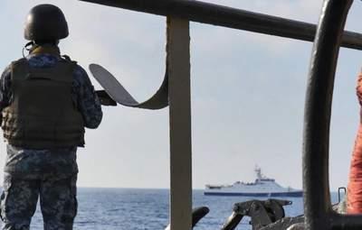 Ночь была горячей: Корабли ФСБ России устроили провокации против военных украинских судов