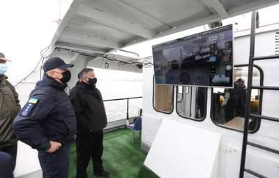 Аваков проверил безопасность акватории Мариуполя и всего Азова