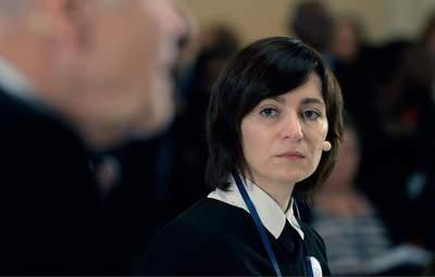 """Президентка і парламент Молдови звинувачують один одного у """"спробі захоплення влади"""""""