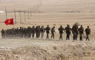 Президенти Киргизстану і Таджикистану домовилися відвести всю військову техніку від кордону