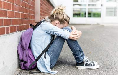 Наковталася пігулок: під Херсоном учениця намагалася покінчити з життям через булінг у школі
