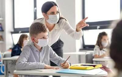 МОЗ оновило протиепідемічні заходи для закладів освіти: що мають робити директори