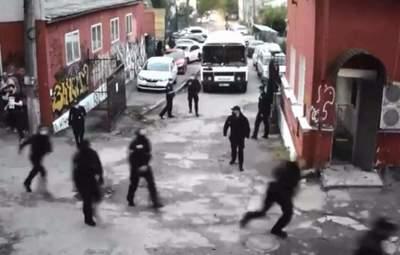 Сорвали концерты: полиция устроила налет в Киеве на Closer и Mezzanine – видео