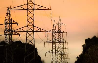 Минэнерго требует остановить импорт электроэнергии из России и Беларуси
