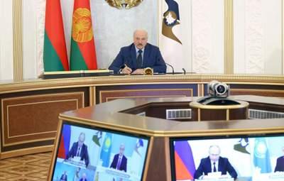 """Лукашенко собрался прививать украинцев и граждан ЕС """"Спутником V"""" на границе Беларуси"""