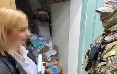 В Одессе полицейская продавала кокаин: воровала его с вещдоков – фото