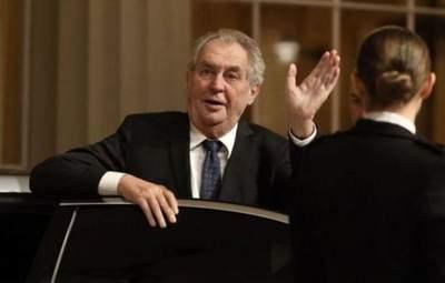 Сенат Чехии хочет отстранить президента Земана, правительство – против