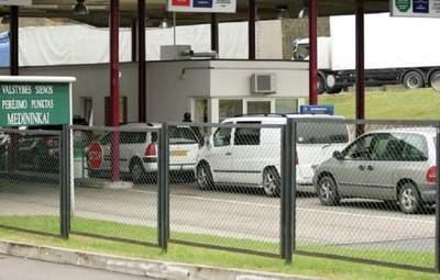 Білоруси затримали авто з литовською диппоштою: Вільнюс обурений