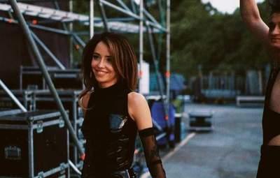 Смелое боди и прозрачный костюм: Надя Дорофеева показала горячие образы на сольном концерте