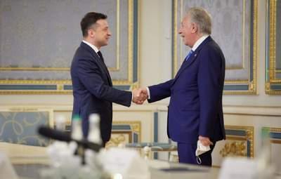 Зеленский обсудил украинские реформы с председателем Венецианской комиссии: фото