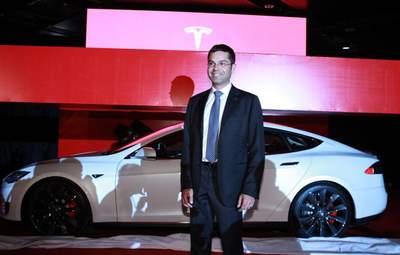 Втрати у вищому керівництві Tesla: Ілон Маск залишився з двома керівниками