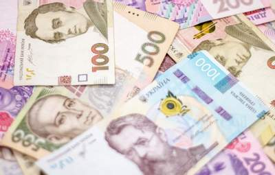 Від 16 до понад 100 тисяч: у кого з мерів українських міст найвищі зарплати