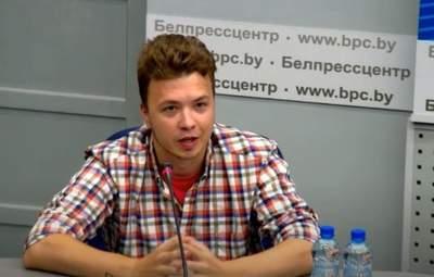 Тільки тримайся, – журналістка на брифінгу Протасевича заявила, що не вірить його словам