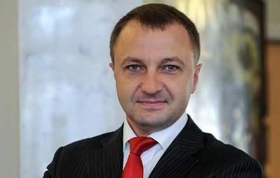 Две трети сериалов на украинских каналах показывают на русском, – Креминь