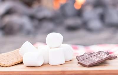 Солодкий пікнік: як приготувати ніжний маршмелоу на вогні