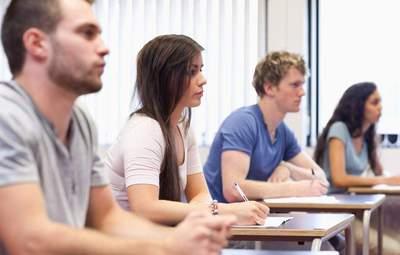 Університети розпочинають реєстрацію абітурієнтів на вступні іспити та творчі конкурси