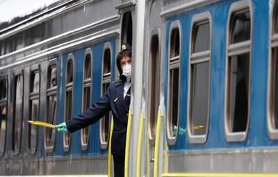 Негода в Україні: в Укрзалізниці попередили про затримки потягів – перелік