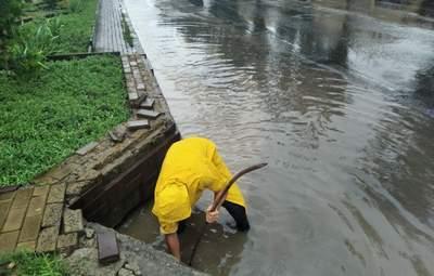 Одесу знову затопило: в регіоні оголосили штормове попередження