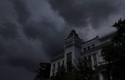Знову шторми, зливи, гради: рятувальники попереджають про небезпеку