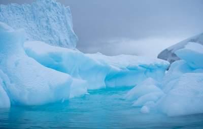 В Антарктиді під льодовиками виявили активні озера, які впливають на екосистему всього світу