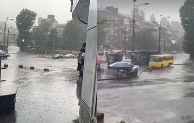 Потужний буревій та злива: Київ накрила негода – фото, відео