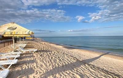 В Кирилівці чисте море: як працюють рибацькі сітки проти медуз – відео