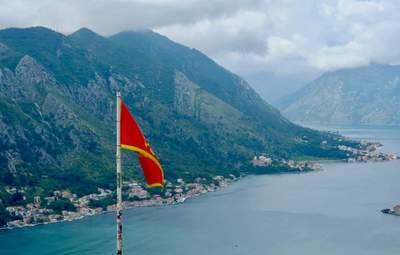 Черногория в разгар курортного сезона усилила карантинные ограничения