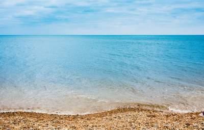 Медузи нарешті відступили: туристи показали чисте море та пляжі на популярних курортах України