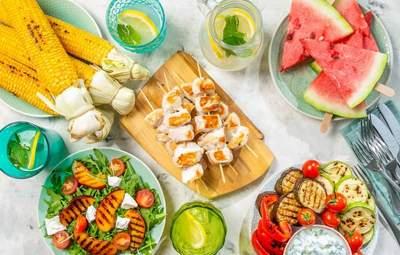 Каких правила питания следует придерживаться в летнюю жару: 3 совета