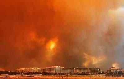Пожежі в турецькій Анталії майже локалізували: де ще чатує небезпека