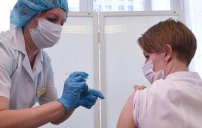 Дистанционное обучение или вакцинация: почему учителя игнорируют прививки от COVID-19
