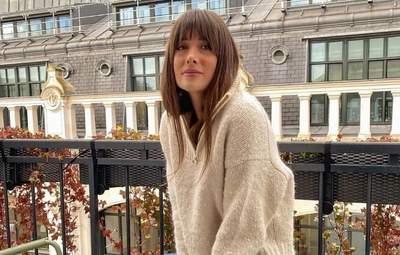 6 модних светрів на осінь: стильні поєднання показує француженка Жюлі Феррері