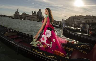 Dolce & Gabbana Alta Moda: найкрасивіші образи з показу у Венеції, які варті вашої уваги