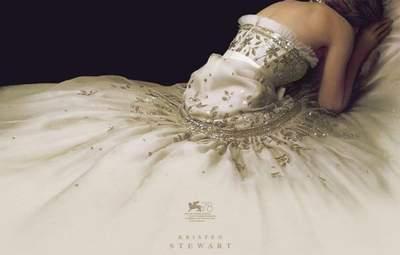 """Як створювали сукню для Крістен Стюарт у фільмі """"Спенсер"""": несподівані факти"""