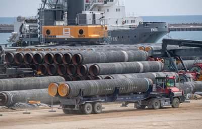 """Німеччина не спішить легалізувати """"Північний потік-2"""": газогін може розірвати Європу зсередини"""