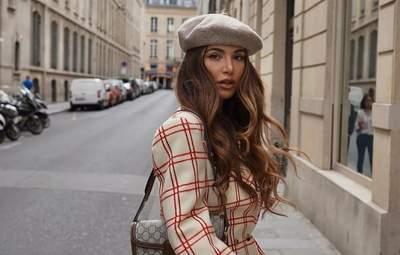 Жакет з водолазкою – улюблений прийом на осінь модниці з Амстердама Негін Мірсалехі: фото