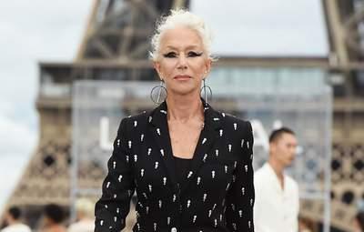 76-летняя Хелен Миррен вышла на подиум во время показа L'Oréal Paris: впечатляющий образ