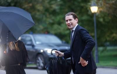 Прийшли з обшуками: канцлера Австрії підозрюють у корупції