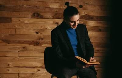 """Читать – это круто! – интервью с фронтменом """"Антител"""" Тарасом Тополей"""