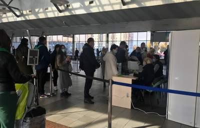 Штрафы по 17 тысяч гривен и платные тесты: как люди добираются из Киева в другие города Украины