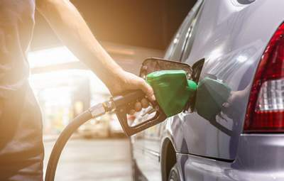 Бензин и дизтопливо в Украине резко подорожали после публикации новой максимальной цены