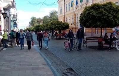 Ні в ресторан, ні в транспорт: на Буковині ввели жорсткі обмеження для невакцинованих