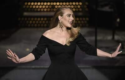 Адель дала громкий концерт в Лос-Анджелесе: среди гостей – бывший муж